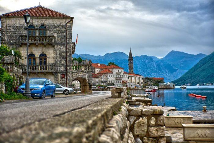 Стоимость жизни в Черногории. Цены на продукты питания, бензин, связь