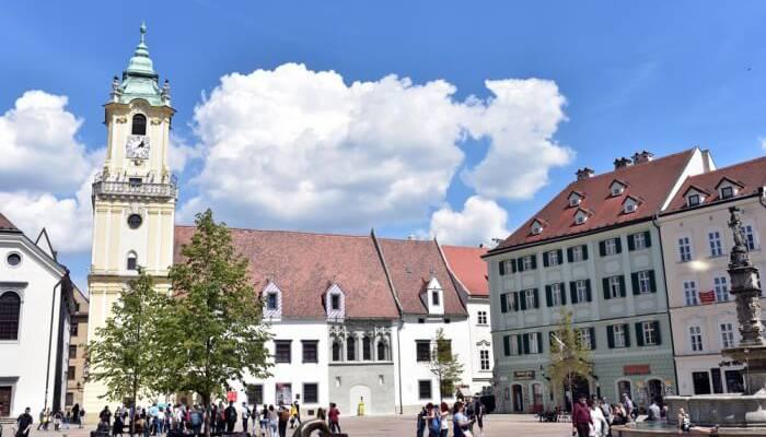 Главная площадь и Старая ратуша