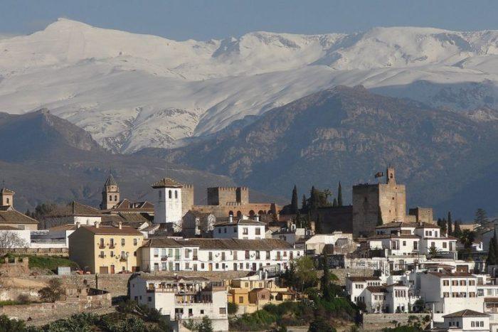 Гранада зимой